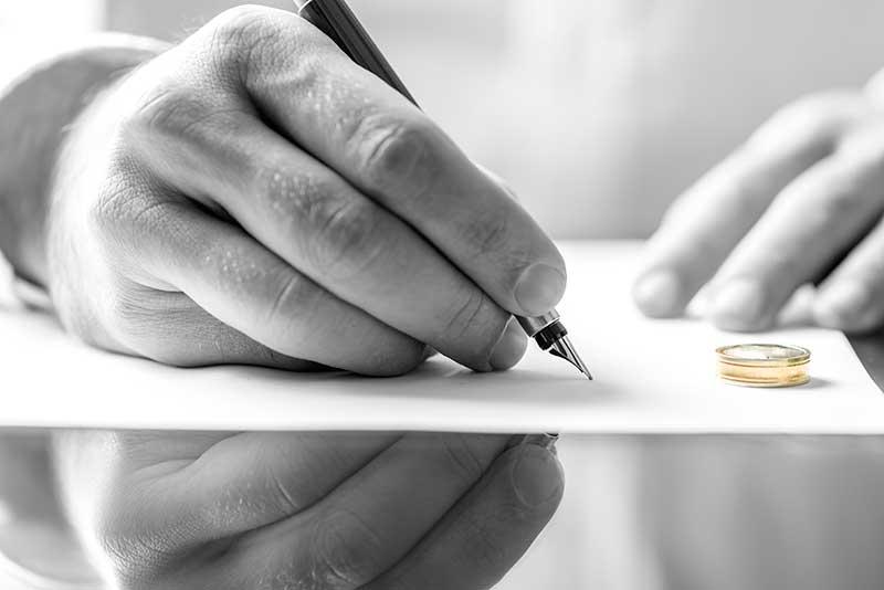 Divorcio Notarial: Una solución eficaz para los matrimonios que de mutuo acuerdo que optan por divorciarse  de forma rápida, sencilla y cómoda